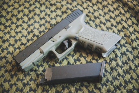 Glock 17 & Remington R700